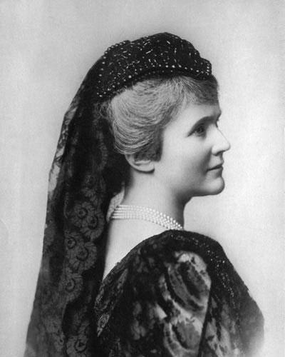 Carmen Sylva (ca. 1890)